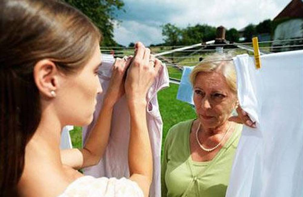 10-mother-in-law-behaviours-that-deserve-your-respect-dont-fold-laundry-without-permission