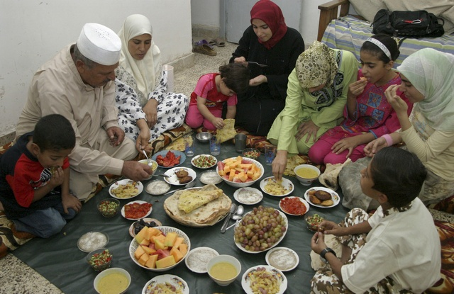 10-reasons-why-fasting-month-is-special-family-bonding