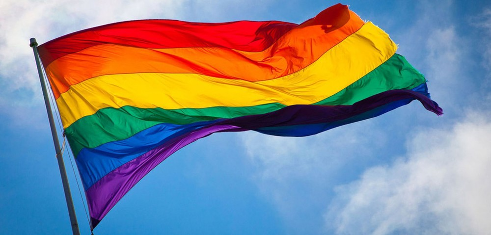 10-malaysian-celebs-proudly-supporting-the-lgbt-movement-by-proclaiming-lovewins