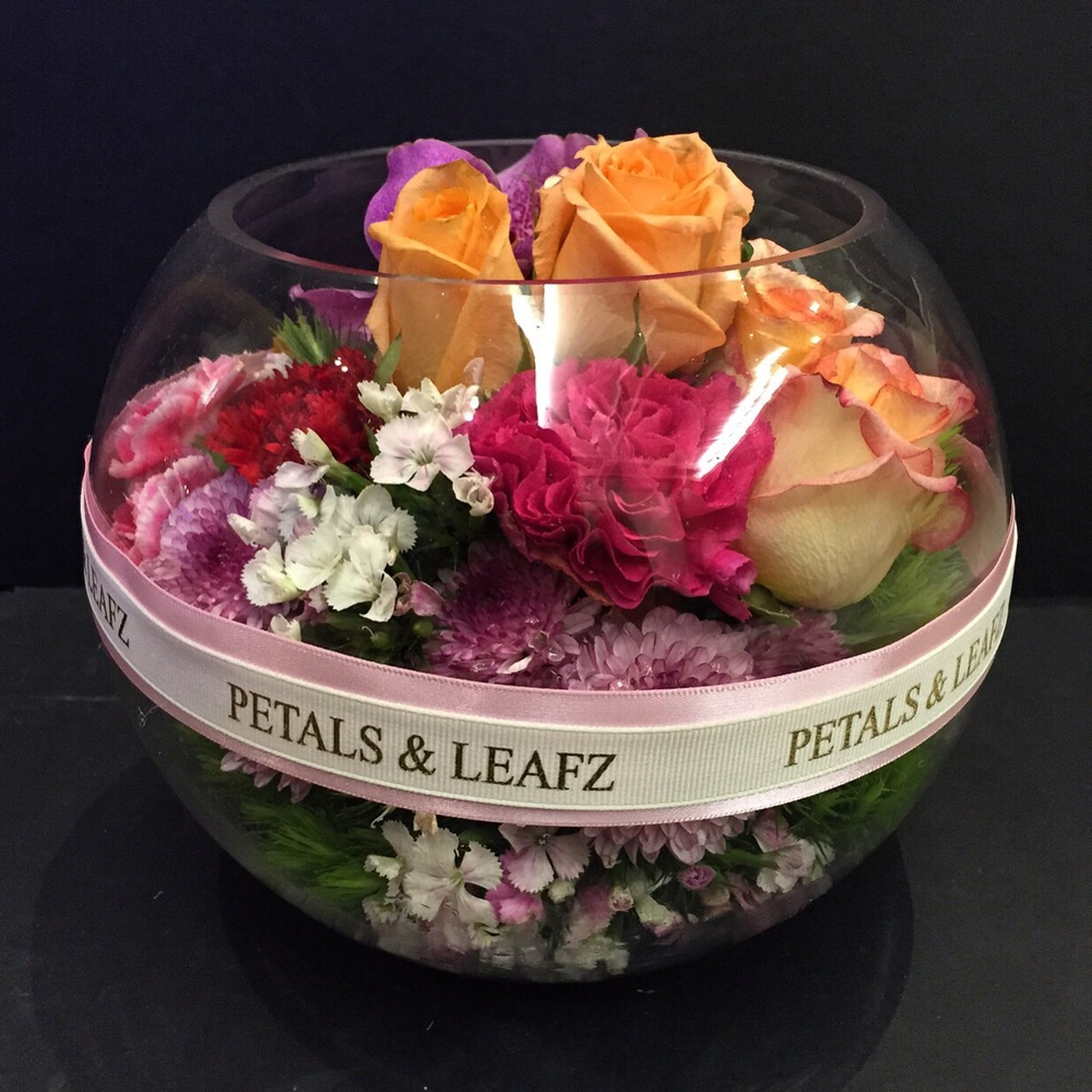 10-things-about-petals-and-leafz-1