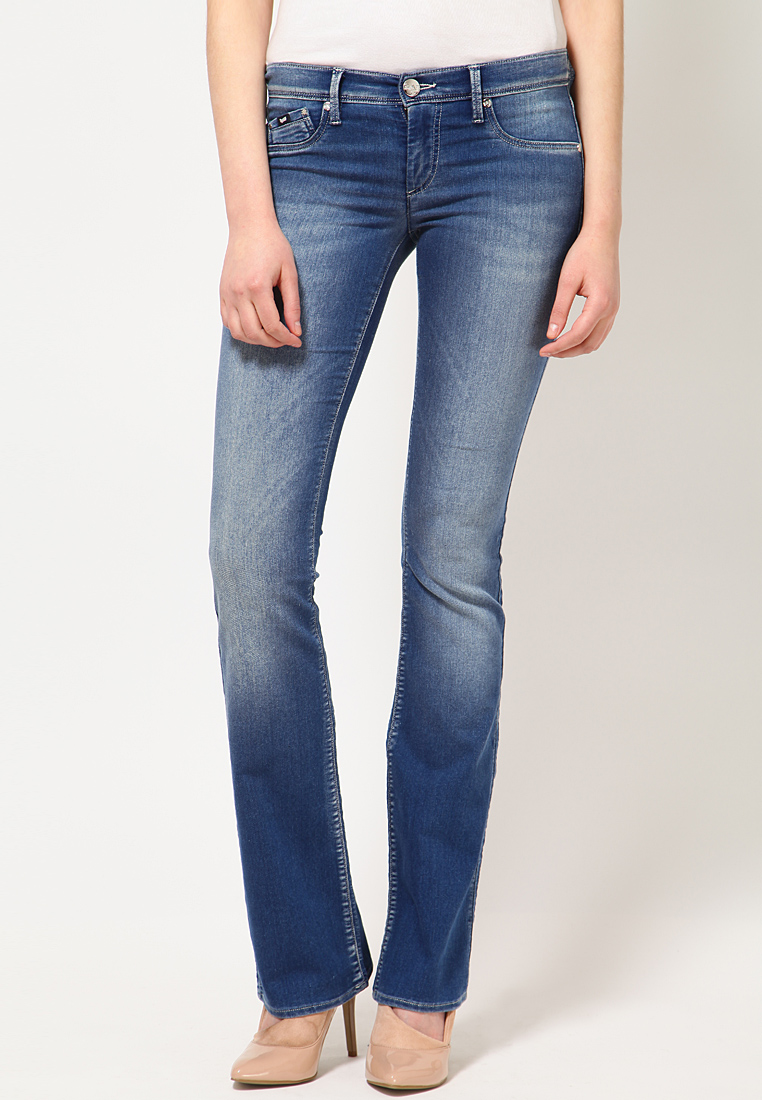 slim fit jeans for women - Jean Yu Beauty