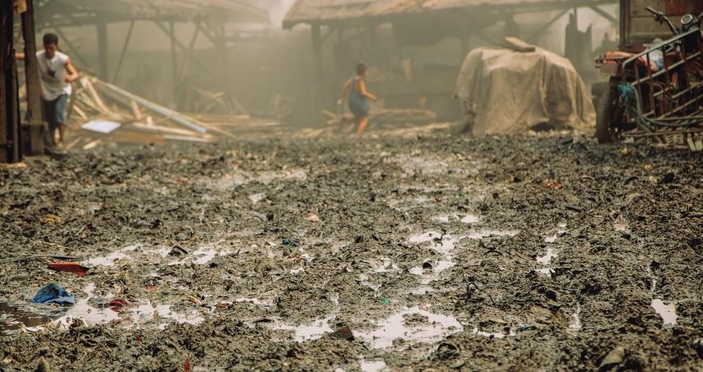 A-walk-through-the-slums-of-manila-philippines-10