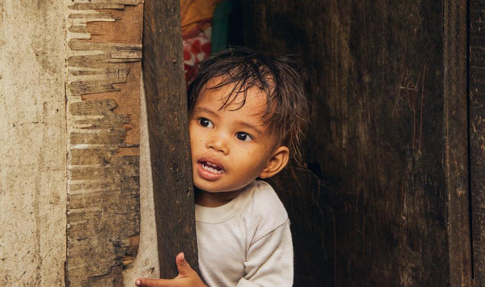 A-walk-through-the-slums-of-manila-philippines-9