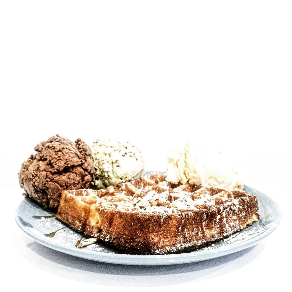 Æbout-Ice-Creams-triple-scoops-waffle