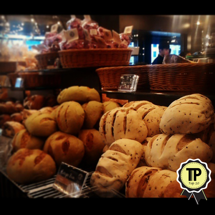 top-10-bakeries-in-klang-valley-moonlight-cake-house