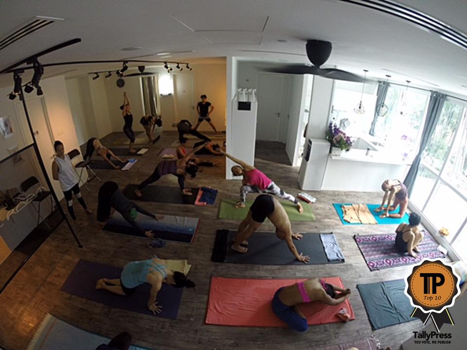 malaysias-top-10-yoga-studios-mysore-room