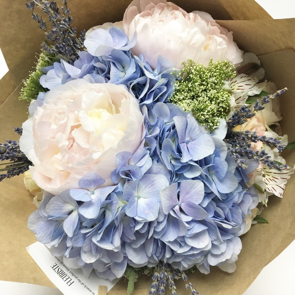 spreading-your-love-with-flueristes-perfect-blooms-2
