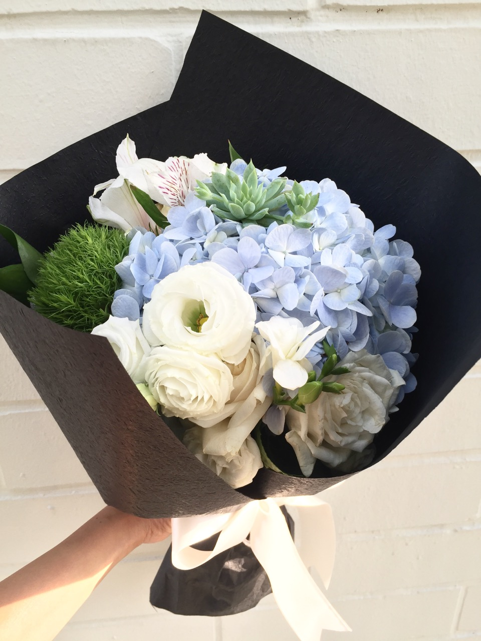spreading-your-love-with-flueristes-perfect-blooms-5