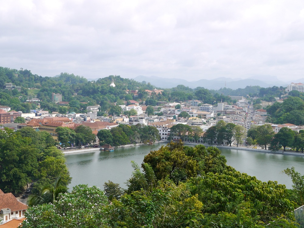 9-iconic-places-to-visit-in-sri-lanka-for-first-time-visitors-kandy