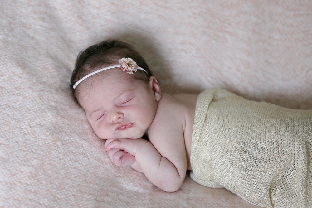 Scottsdale babies of 2017. Newborn photographer for Phoenix, Scottsdale, Norterra, Fountain Hills, Glendale, Tempe, and surrounding areas. Lifestyle newborn photographer in Arizona. Delicate newborn girl session. Light pink newborn session. Spring colors newborn session. Girl newborn photography.