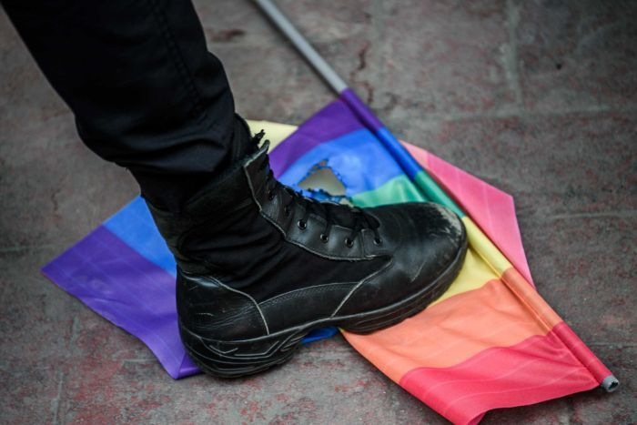 http://www.abc.net.au/news/2016-06-20/istanbul-riot-police-break-up-lgbt-parade-with-tear-gas/7524772