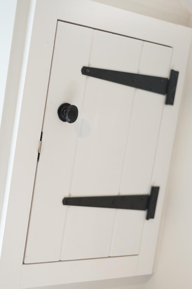 Integrated Wall Cupboard with Traditional Ironmongery