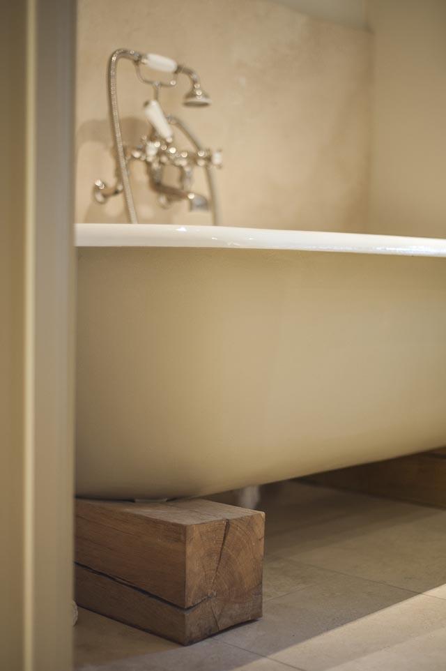 Roll Top Bath on Oak Plinths