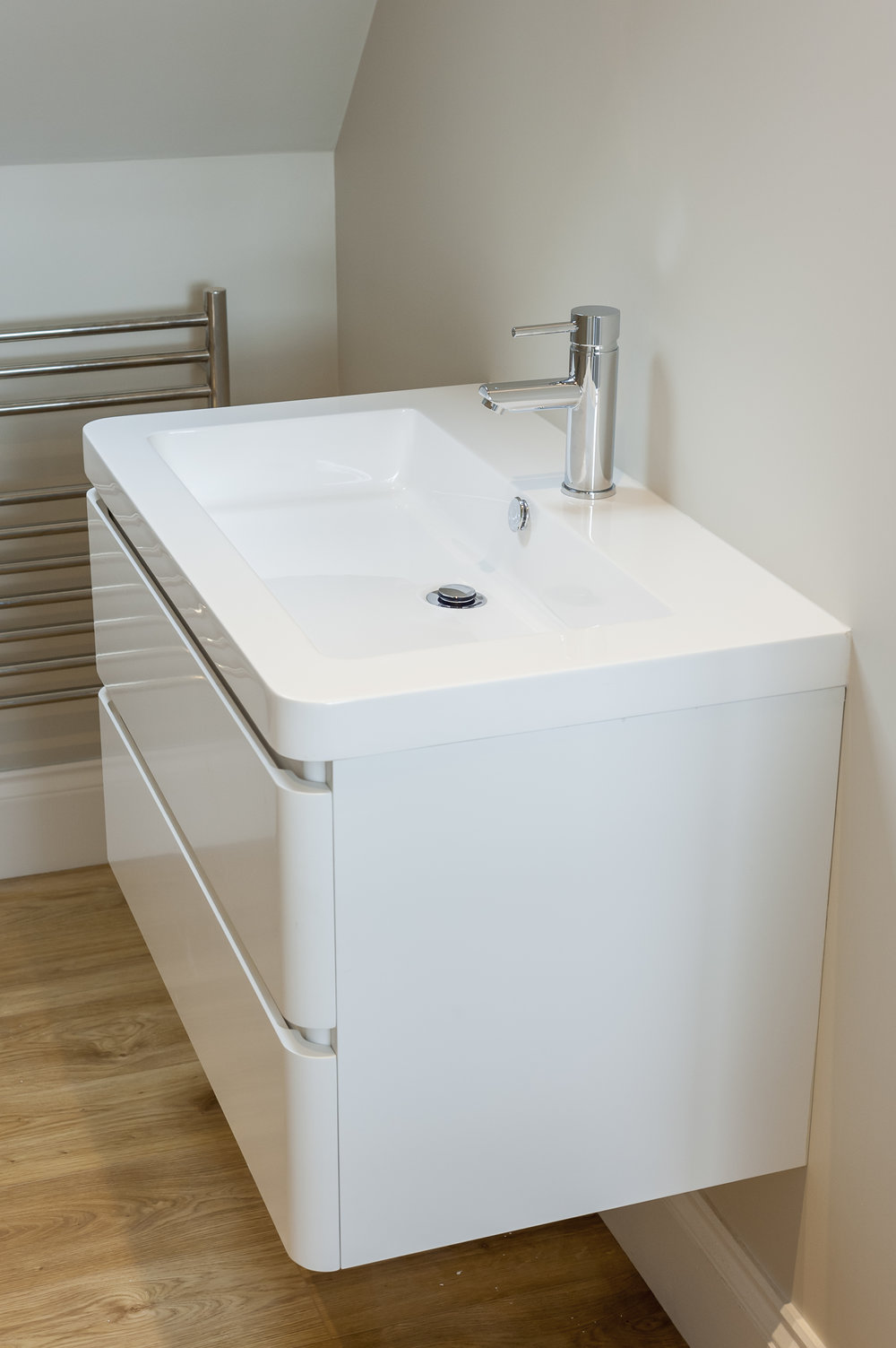Polished White Veneer Wall Hung Vanity Unit