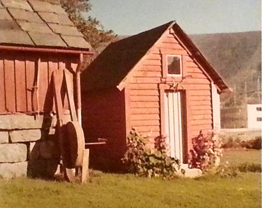 Frå Frøysteinsgarden på Husnes tidleg på 1970-talet. (Bjørn Foto. Med løyve frå Bjørg Frøystein Huse).