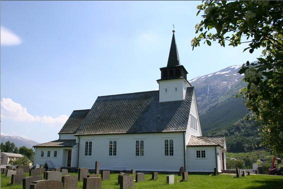 Uskedal kyrkje – 100 år.