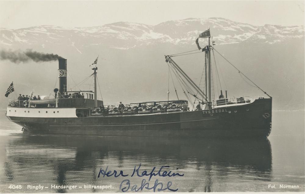 DS «Tyssedal» var opprinneleg bygd som lastebåt. Sommaren 1932 vart båten sett inn i ruta Norheimsund/Øystese – Ringøy – Eidfjord for å frakta bilar. Dei som skulle i lasterommet vart heiste om bord, medan bilar som stod på lasteluka måtte kjøra om bord på sliskar.