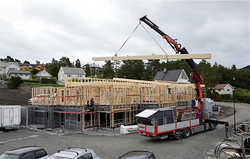 Husnes Vekst helsar initiativet om byggjing av bufellesskap velkome. Dette er frå Borvika på Husnes. (Arkivfoto).
