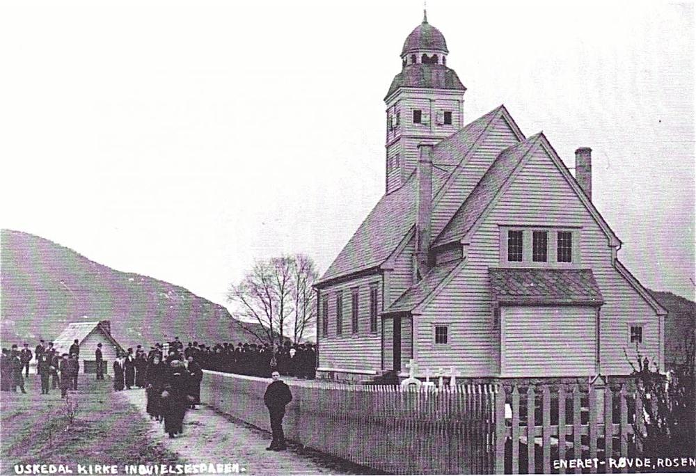 Kyrkja i Uskedalen har vore feira gjennom heile 2014, 100 år etter at ho vart bygt. Vigslinga skjedde 16. desember 1914 under stor festivitas.   Du kan lesa meir om kyrkja  her