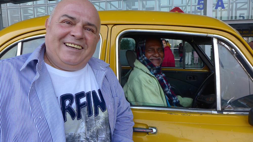 Petko og sjåføren som køyrde oss til flyplassen dåme skulle heim.