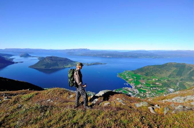 Hardangerfjord Magasinet presenterer mange fine bilete frå området.
