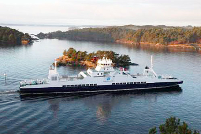 """Gassferja """"Selbjørnsfjord"""" på strekninga Halhjem – Våge er ei av 20 ferjer som trafikkerer 16 fylkesvegsamband i Hordaland. (Foto: FosenNamsos Sjø AS)"""