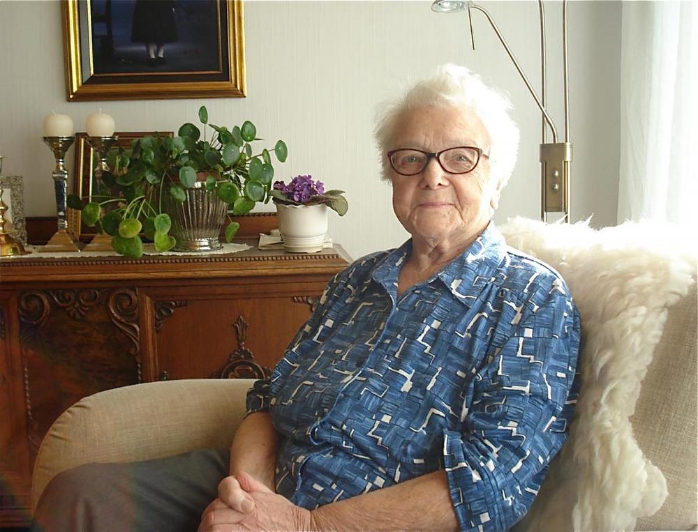 98 år gamle Klara Døssland frå Uskedalen er med i boka. (Foto: Thor Inge Døssland)
