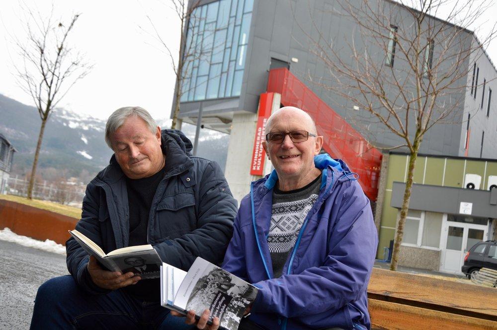 Thor Inge Døssland og Kristian Bringedal har lyst til å skriva bok om den folkekjære distriktslegen.
