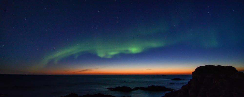 lighthouse_northernlights.jpg