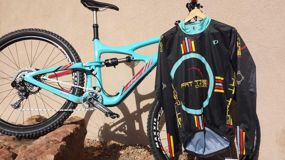 Looks good with the Fat Tire wind breaker