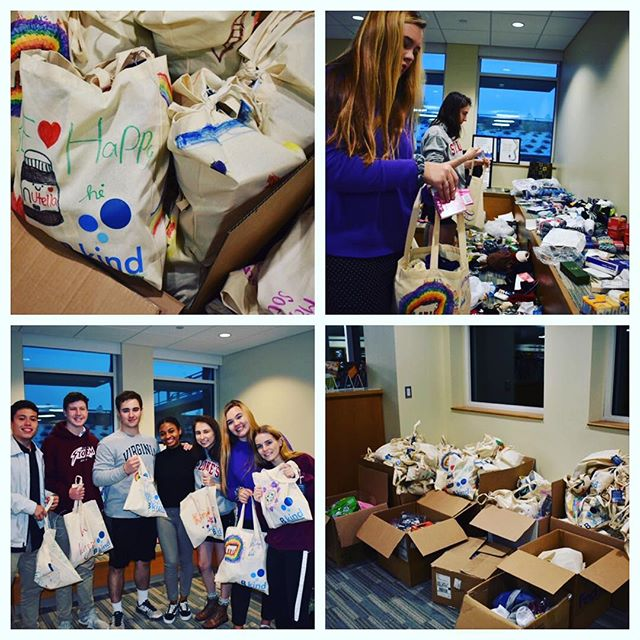 Thank you to all who donated to fill our kindness bags! We filled and collected over 400 bags to donate to the following organizations/shelters: Open Door Shelter in Norwalk, Health and Human Services of New Canaan, Bridgeport Rescue Mission, and Columbus House in New Haven. A big round of applause to our B kind club members at @stlukesct for putting the bags together after school hours! #kindnessbags2018 #kindnesscounts #bkindtoday