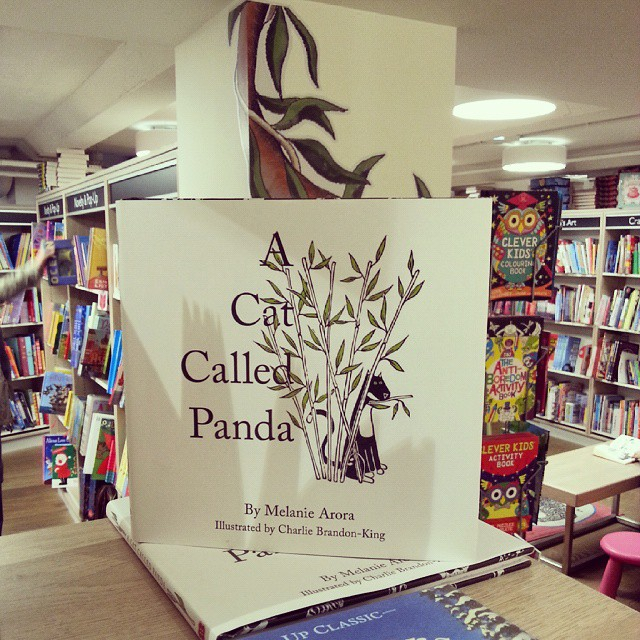#acatcalledpanda, live in Foyles! Feeling just a little giddy. @GMCbooks (at Foyles)