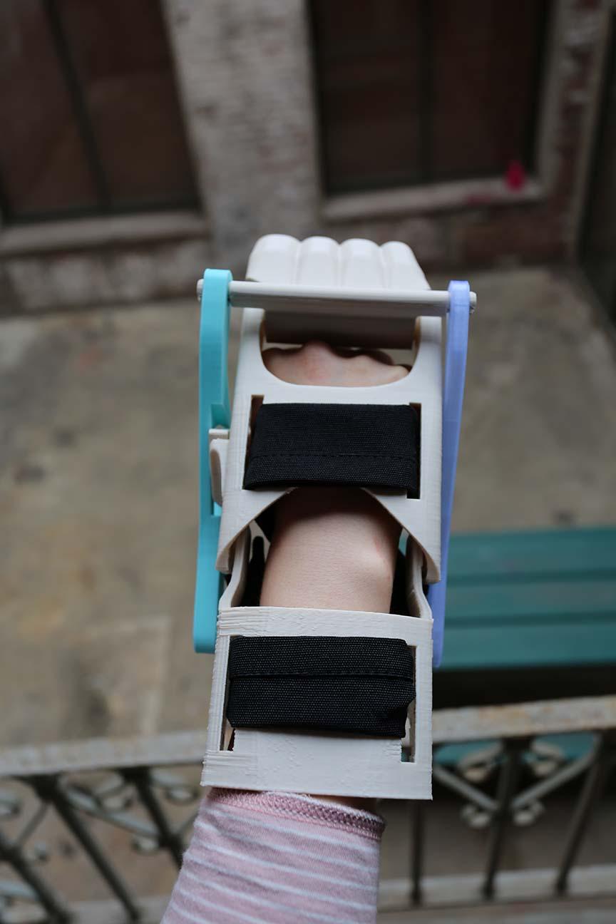 Prosthetic Hand Base 001.JPG