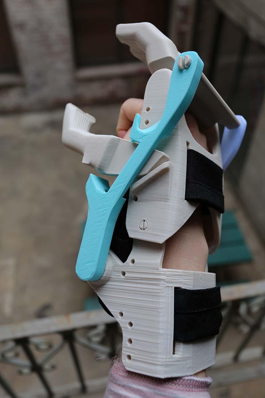 Prosthetic Hand Base 002.JPG