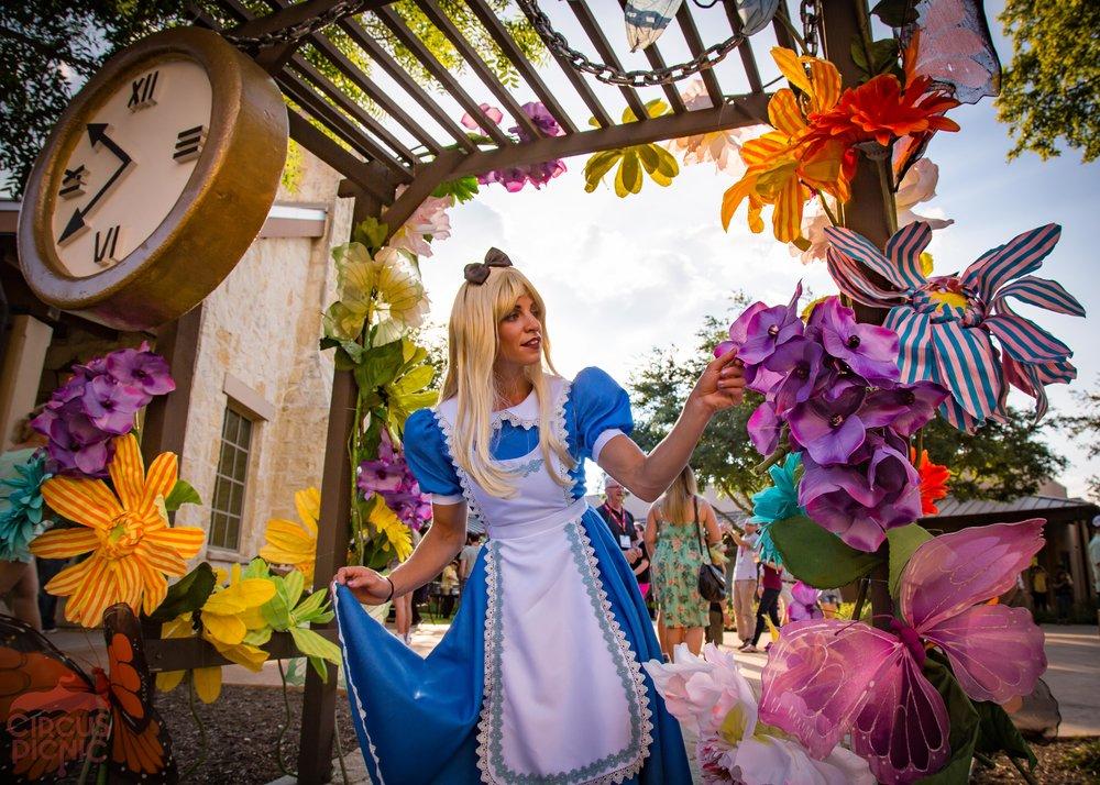 Alice_In_Wonderland_Web_Faves-40.jpg