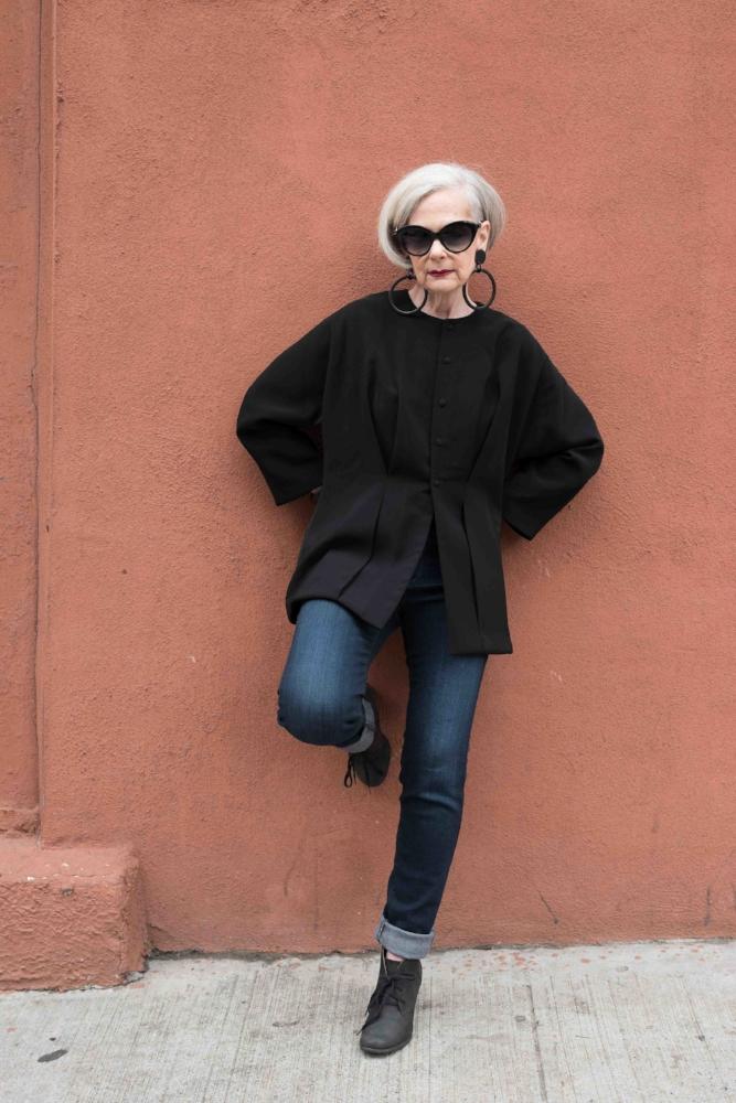 Jacket: Hannan, Jeans: AG, Sunglasses: Efva Attling