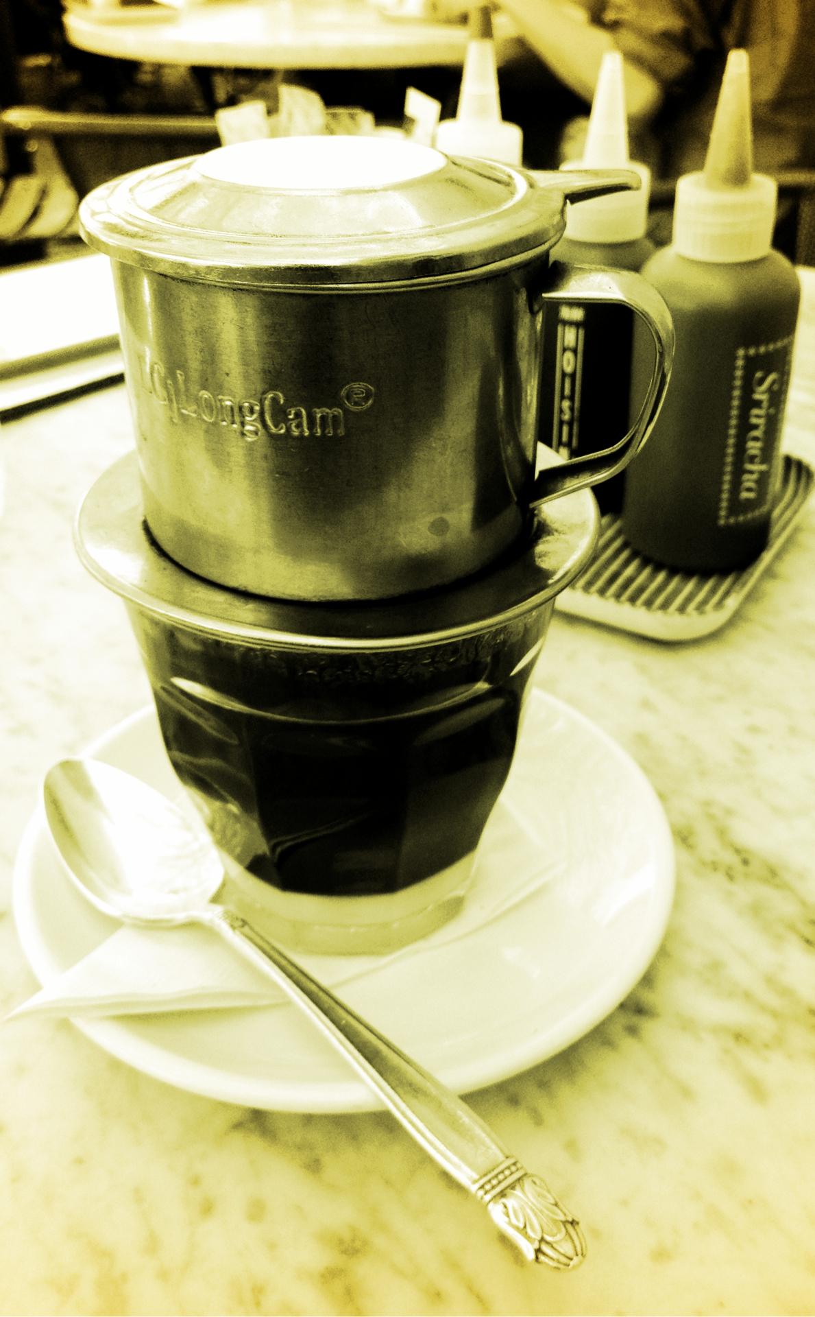 130311, daily caffeine fix, Vietnamese style.