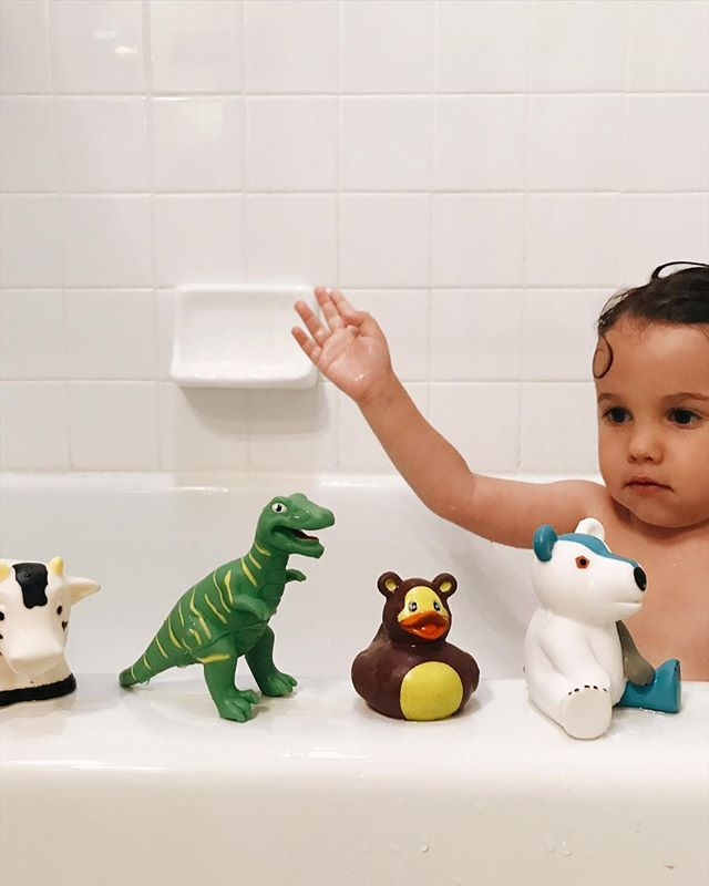 Splish splash roar quack! #bathtime #dino #trex #bath #instakids