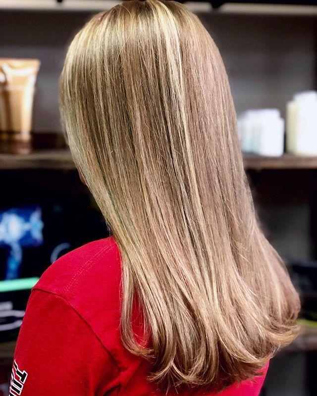 Blen•ded  #handpaintedhighlights #paulmitchelllightner #balayage #framarbrushes #columbusstylist #dublinhair #paulmitchellcolor #paulmitchellpro #blondehair #dimension #softlayers