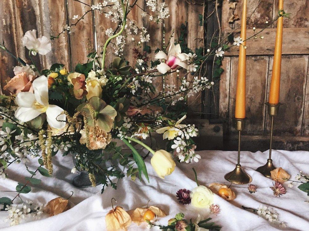 unique spring wedding table centrepieces