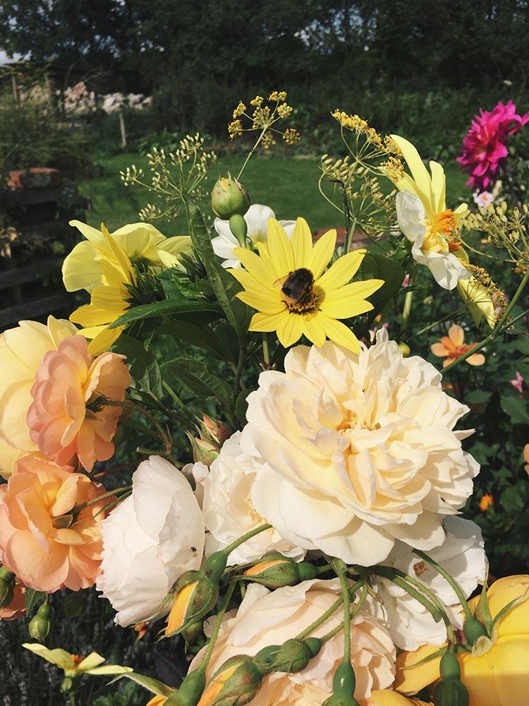 spring homegrown bridal flowers