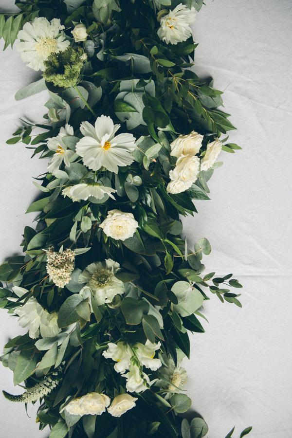summer wedding tbale garland