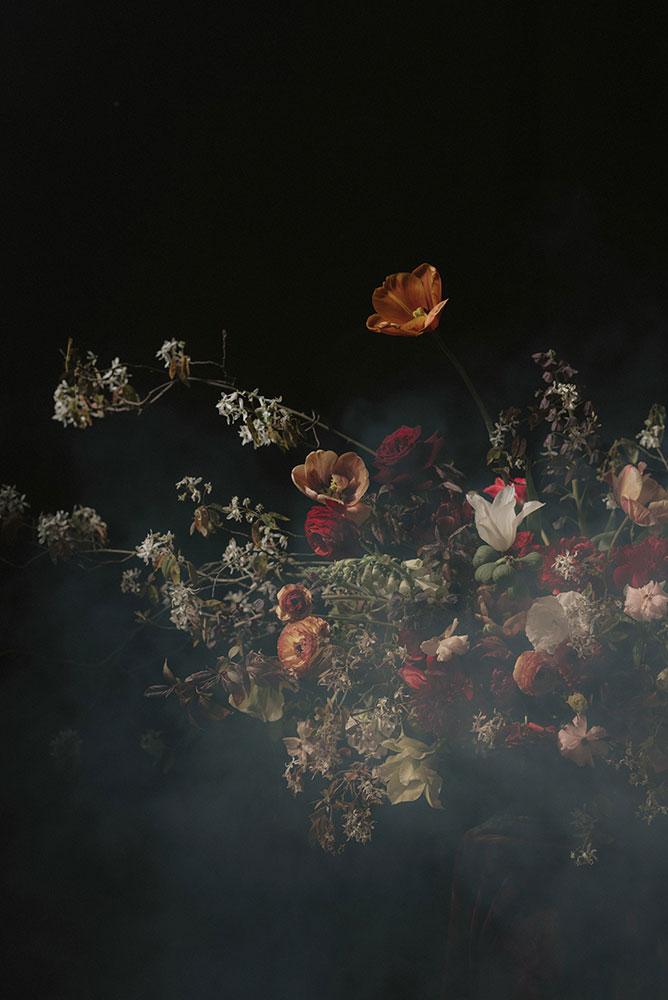 unusual-spring-wedding-flower-centrepiece-02.jpg