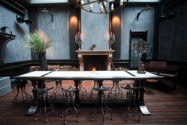 Ten Club: Amsterdamse sociëteit toegewijd aan menselijke verdieping, samenkomst en co-creatie.