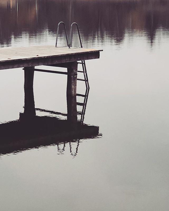 Off-season - #ösbysjön #djursholm #danderyd #höst #badplats #vatten #water #offseason