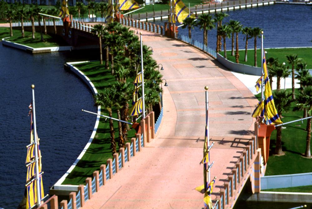 Disney's Swan & Dolphin 17.jpg