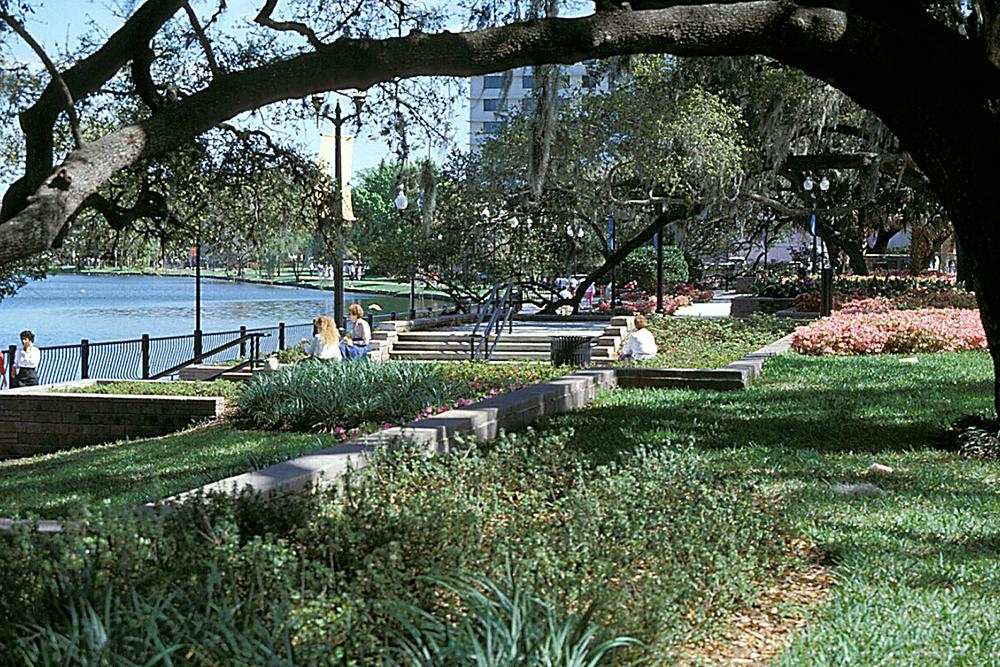 Lake Eola Park 23.jpg