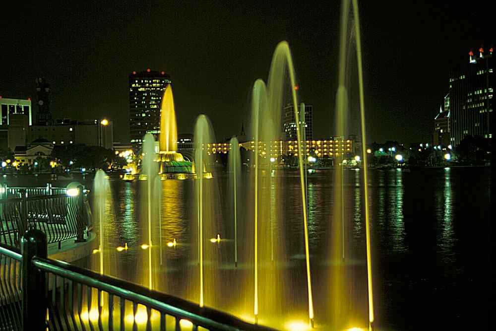 Lake Eola Park 14.jpg