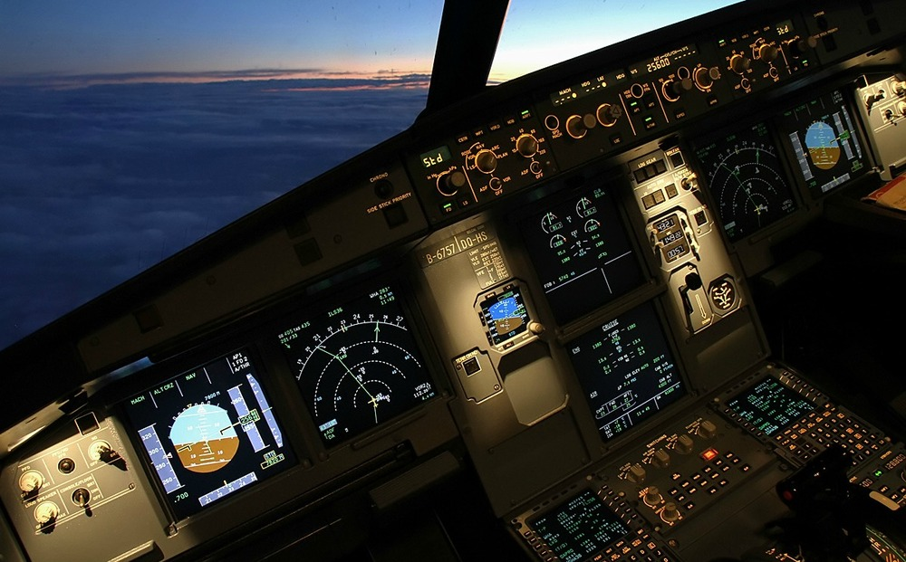 Boeing 737 Next-Gen. Cockpit Instrument Panel