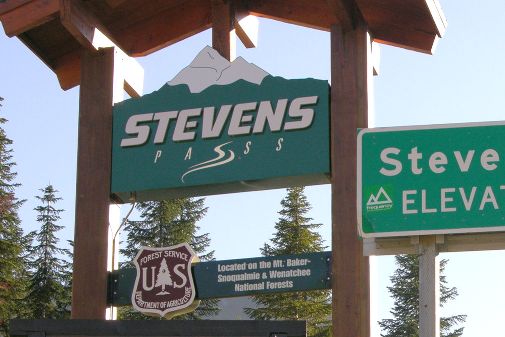 4 Tickets to Stevens Pass from El Mundo Communications